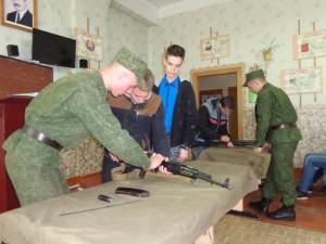 Занятие по разборке и сборке автомата АК-74